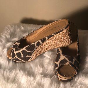 Chinese Laundry size 10 giraffe wedge sandals